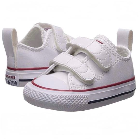 b95fb891346 Chuck Taylor Infant White Leather Trainer🤱🏻